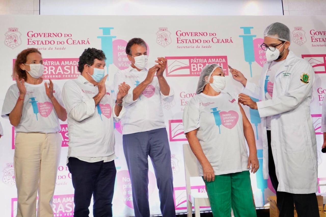 Ceará inicia vacinação contra a Covid-19